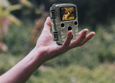 Kleine Wildkamera für Tag- und Nachtaufnahmen
