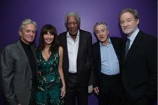 LAST VEGAS: Bildergalerie zur Premiere in Las Vegas / Hohe Auszeichnung für den Top-Cast um De Niro und Douglas
