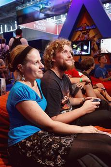 Konfettiregen für PlayStation®4 auf der gamescom 2013